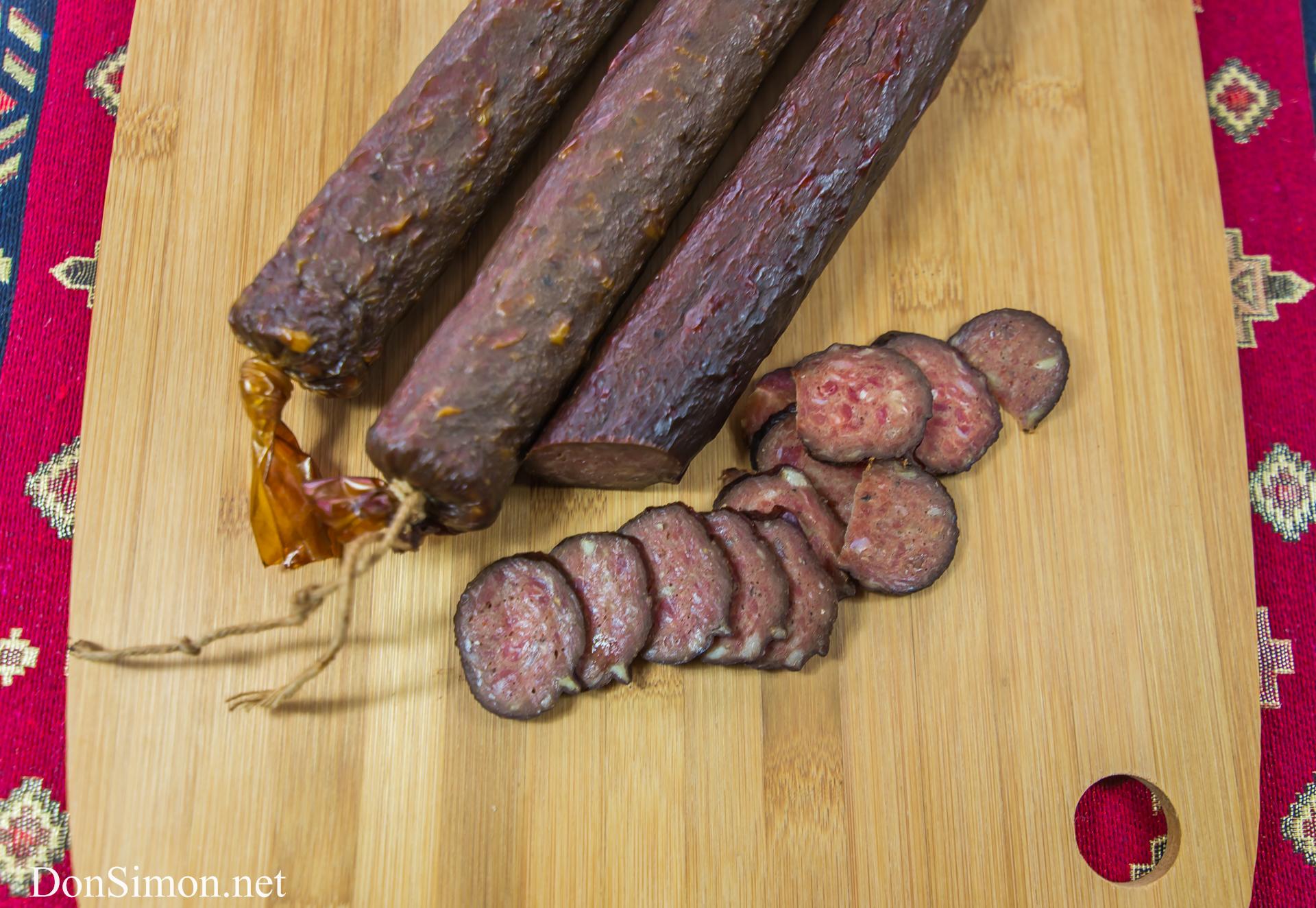 Сырокопченая колбаса в домашних условиях из свинины в