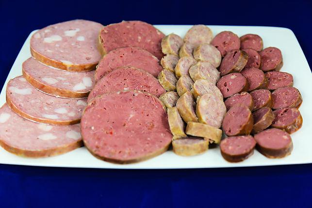 Вареная колбаса. Свиная и говяжья